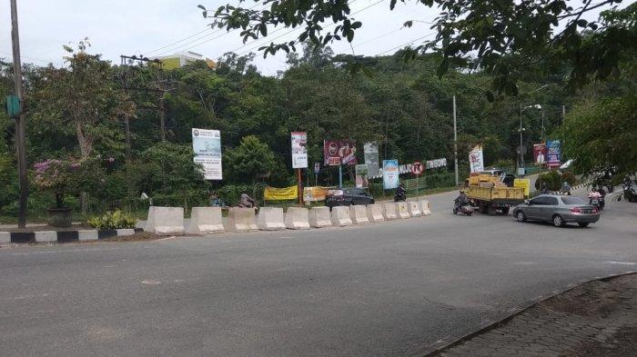 5 Desember Pengendara dari Arah Pasar Buton Dilarang Belok Kanan di Simpang Arah Kampung Timur