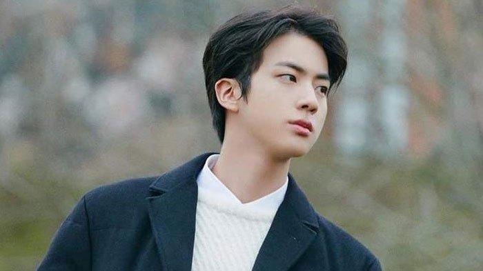 Beredar Foto-foto Jin BTS Hadir dan jadi MC Spesial Pernikahan Sahabatnya, ARMY Banjiri Pujian