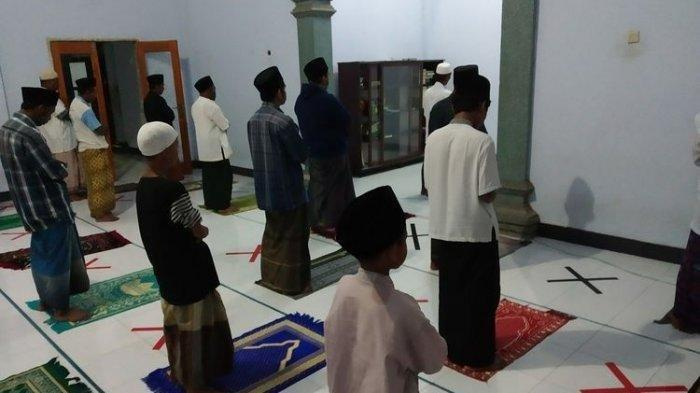 Niat dan Tata Cara Shalat Tarawih 11 dan 23 Rakaat di ...