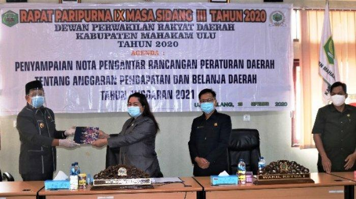 Bupati Bonifasius Sampaikan Nota Pengantar RAPBD TA 2021