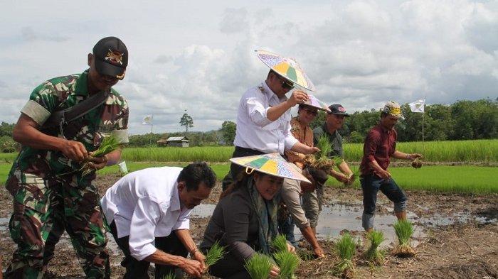 Cegah Petani Ladang Berpindah, Bupati Mahulu Terapkan Teknologi Tepat Guna Bangun Pertanian