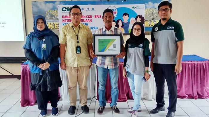CKB Bantu 100 Nelayan di Kelurahan Manggar Balikpapan jadi Peserta BPJAMSOSTEK