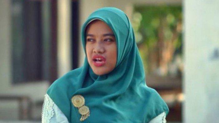 Bu Tejo si Tukang Gosip Viral di Twitter, Siti Fauziah Sang Pemeran Malah Mengaku Ketakutan