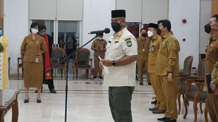 Lantik 46 Pejabat Administrator dan Pengawas Kecamatan Samboja,Bupati: Mutasi Itu Bukan Dibuang