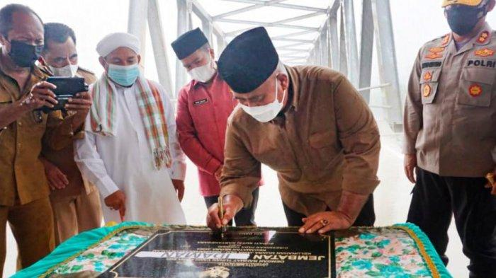 """Bupati Kukar Edi Damansyah Resmikan Jembatan di Teluk Dalam Kukar, Diberi Nama Jembatan """"Idaman"""""""