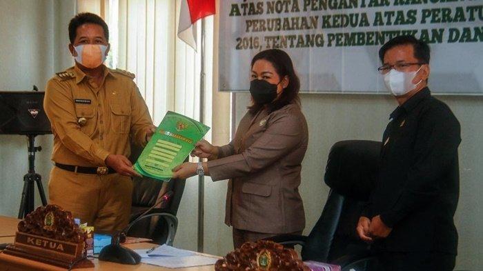 Bupati Mahulu Sampaikan Jawaban Atas PU Fraksi di DPRD