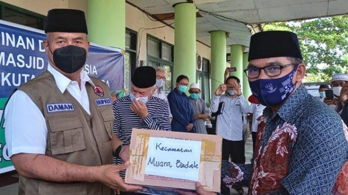 DMI Kukar Salurkan Paket Bantuan, Khusus untuk Jemaah Terdampak Covid-19