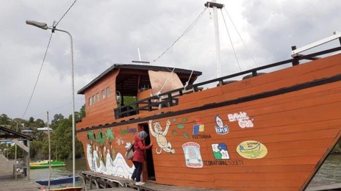 TRIBUN TRAVEL Kafe Bernuansa Kapal di Kariangau Mangrove Ecotourism, Kulineran Sambil Nikmati Hutan