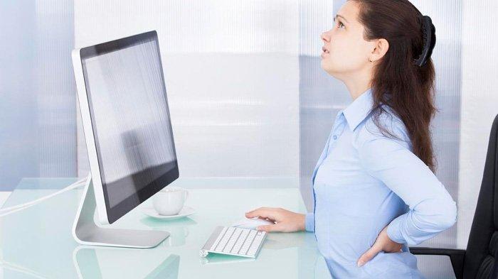 BERBAHAYA, Ini Dampaknya Terlalu Lama Duduk di Depan Komputer Bagi Kesehatan