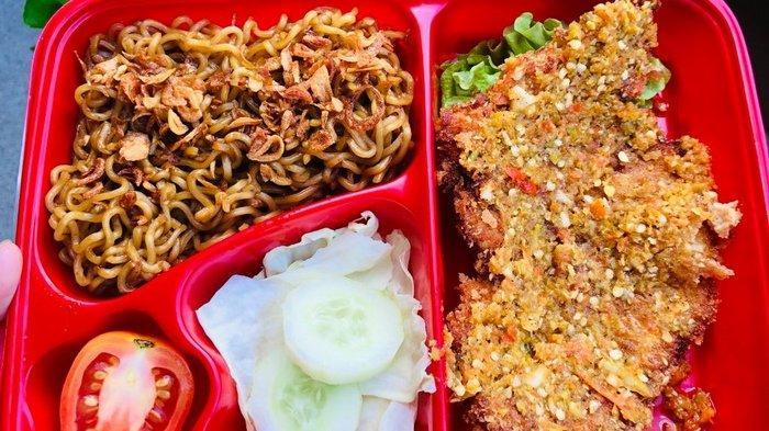 Menu kuliner Chicken Katsu produksi makanan homemade Ms. Kitchin di Tarakan, Kaltara.