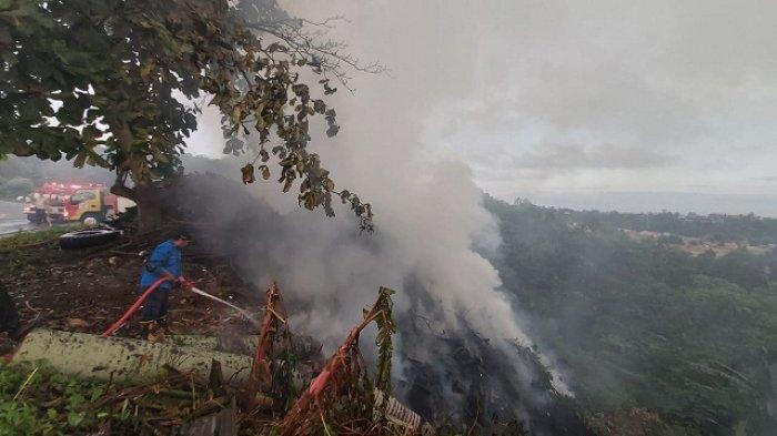 Api Kembali Menyala, Proses Pemadaman Kebakaran Lahan diBukit CintaBalikpapan Hampir 6 Jam