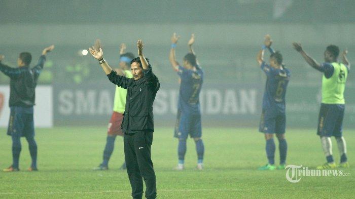 Bobotoh Jadi Alasan Djanur Tantang Persib Bandung di Laga Uji Coba Barito Putera, Temu Kangen?