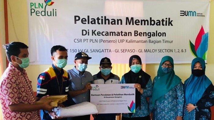 TJSL PLN UIP Kalbagtim Sasar Perempuan di Bengalon,Salurkan Bantuan dan Pelatihan Membatik