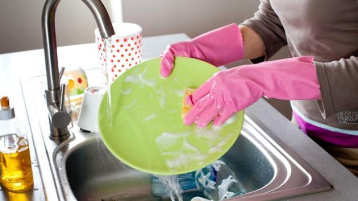 Iiih, Kuman di Tempat Cuci Piring Lebih Banyak dari Toilet, Biasakan Lakukan Ini