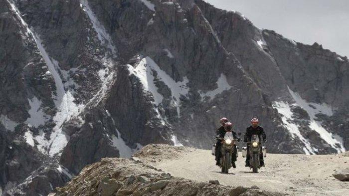 Darius dan Donna Agnesia Berhasil Touring Sampai Puncak Himalaya
