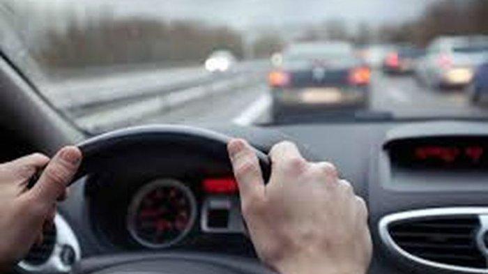 Berbahaya Jika Saat Berkendara Mengalami Ngantuk, Ini Tips Mengatasinya, Bisa Kunyah Permen Karet