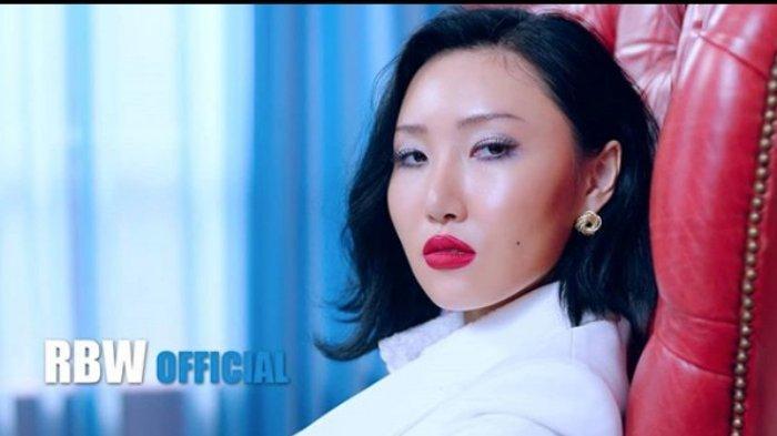 Desember 2019 Daftar Reputasi Member Girl Group, 2 Bulan Hwasa MAMAMOO Bertahan di No 1, Jennie ?