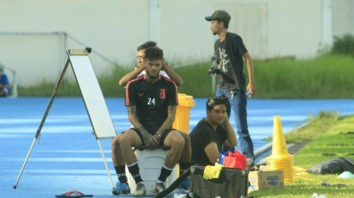 Diego Michiels Ada Masalah di Kepala, Kapten Borneo FC Samarinda Dapat Perawatan Saat Sesi Latihan