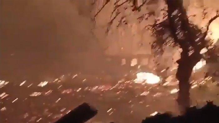 DIREKAM & VIRAL Detik-detik Ratusan Rumah di Desa Sungai Bali Kalimantan Selatan Dilalap Api