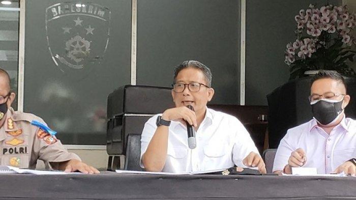 Direktur Reserse Kriminal Umum Polda Metro Jaya Kombes Pol Tubagus Ade Hidayat saat memberikan keterangan perkembangan Kebakaran Lapas Kelas I Tangerang di Polda Metro Jaya, Senin (20/9/2021)