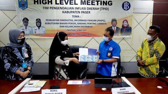 Wabup Paser Syarifah Masitah Assegaf Dukung Upaya TPID dan BI Buat Pengendalian Inflasi Daerah