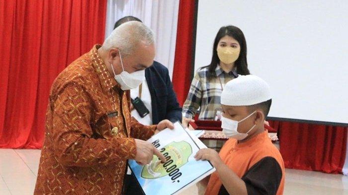 224 Anak Yatim, Piatu dan Yatim Piatu di Kota Balikpapan Terima Santunan dari Pemprov
