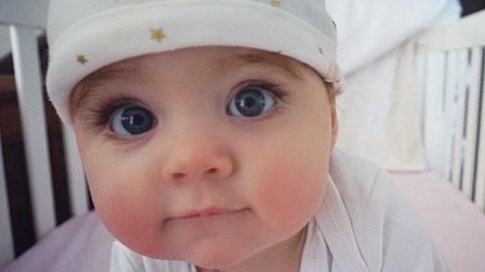 Jangan Lewatkan Proses Pertumbuhan dan Perkembangan Bayi, Menggemaskan Saat Memasukkan Kaki ke Mulut