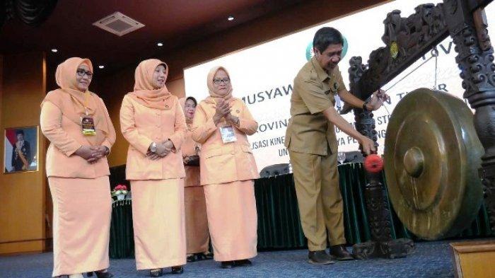 Elto Buka Musda IV Dharma Wanita Persatuan Provinsi Kaltim