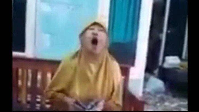 VIRAL Video Emak-Emak Semprot Kurir dengan Kata-Kata Kasar karena Terima Paket Tak Sesuai Pesanan