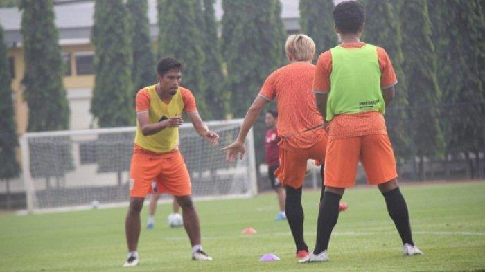 Antusias Tatap Musim 2019, Faturrahman: Kita Harus Profesional sebagai Pemain Sepak Bola