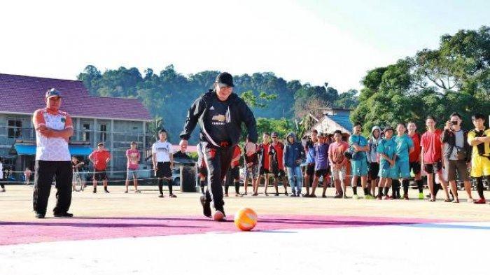 Buka Turnamen Futsal HUT RI, Bupati Mahulu Berpesan Junjung Tinggi Sportivitas