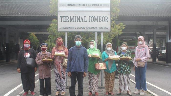 Dukung Kebijakan Gubernur DIY saat Hari Kebangkitan Nasional, Ganjar Pranowo Dapat Bingkisan