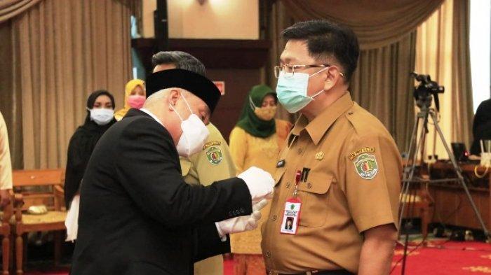 Lantik Lima Pjs Bupati dan Wali Kota, Gubernur Instruksikan Sukseskan Pilkada dan Protokol Kesehatan