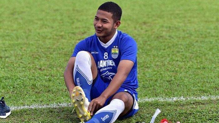 Robert Rene Alberts Ngotot Pertahankan 1 Pemain Muda Persib Bandung