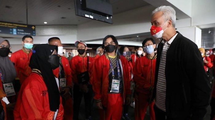 Jadi Suporter Langsung, Gubernur Ganjar Berangkat ke Papua Bersama Kontingen PON Jawa Tengah