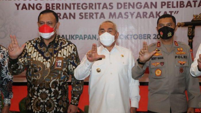 Gubernur Isran Noor Akui Dulu Sering Protes terhadap KPK, Kini Malah Acungi Jempol