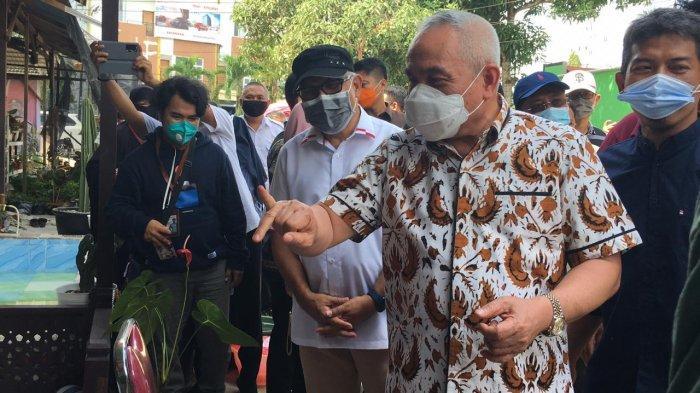 Gubernur dan Wagub Kaltim Kunjungi TPS di Tenggarong, Isran Noor: Pencoblosan Lancar-lancar Saja