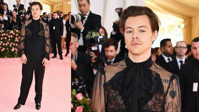 Hadiri Met Gala 2019, Harry Styles Curi Perhatian Kenakan Pakaian Blouse Berlengan Transparan