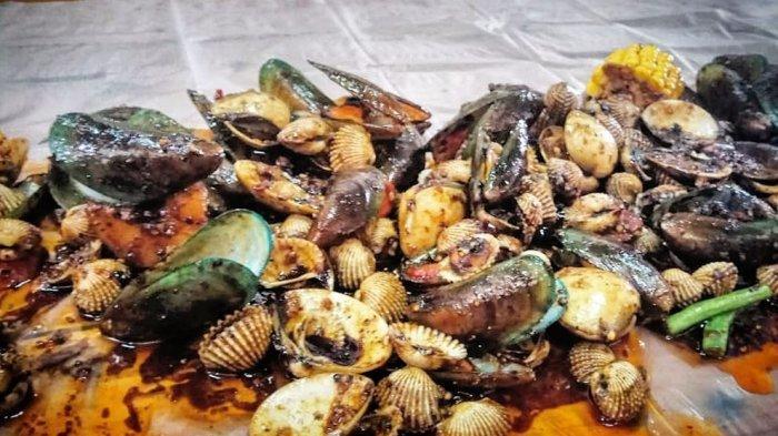Nikmatnya Kuliner Bandung 2019, Makan Kerang Tumpah yang Berlimpah Di Warung Celup bisa Dicoba