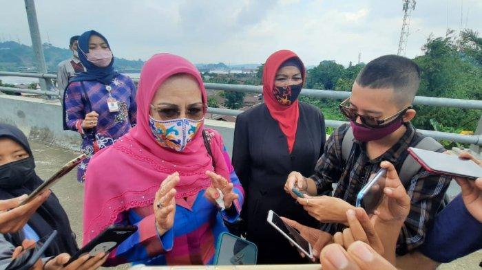 Mata Aminah Amins Berkaca-kaca, Nama Mendiang Suami Diabadikan untuk Jembatan Mahkota II Samarinda