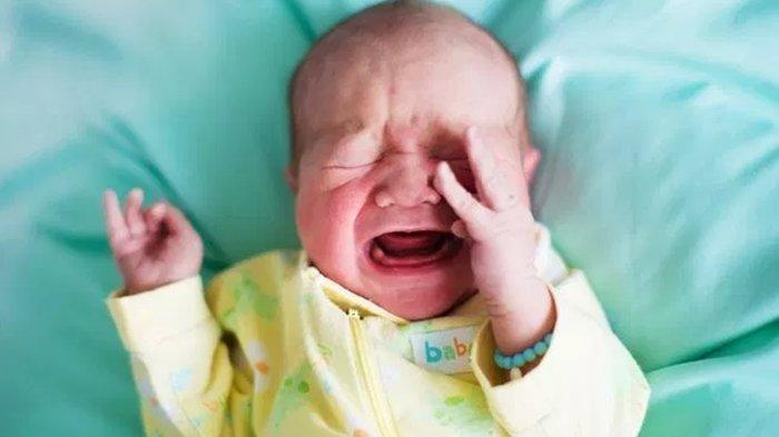 Berencana Liburan dan Membawa Bayi, Ini Tips Agar Bayi Tidak Menangis saat Naik Pesawat Terbang
