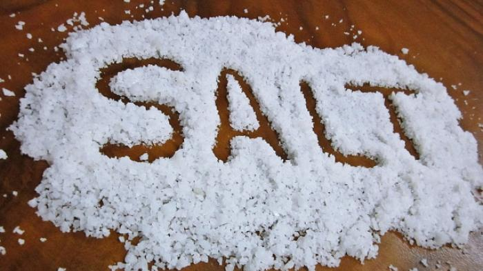 Tanda-tanda yang Dirasakan Tubuh jika Terlalu Banyak Konsumsi Garam, Rasa Haus yang Berlebihan