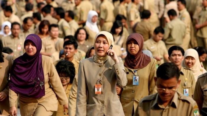 Jokowi Teken PP Baru Soal ASN, Bolos Kerja hingga Tak Netral dalam Pemilu Bisa Langsung Dipecat