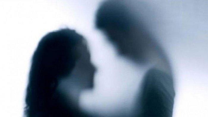 Sudah 10 Kali Beri Maaf, Wanita Ini Malah Dicekik Usai Pergoki Suaminya Selingkuh di Rumah Pelakor