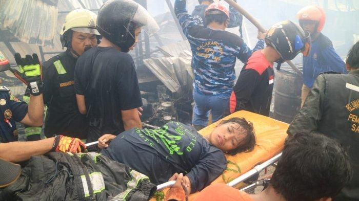 BREAKING NEWS Kebakaran Melanda Samarinda Kaltim, Sejumlah Ibu Hamil Menceburkan Diri ke Rawa