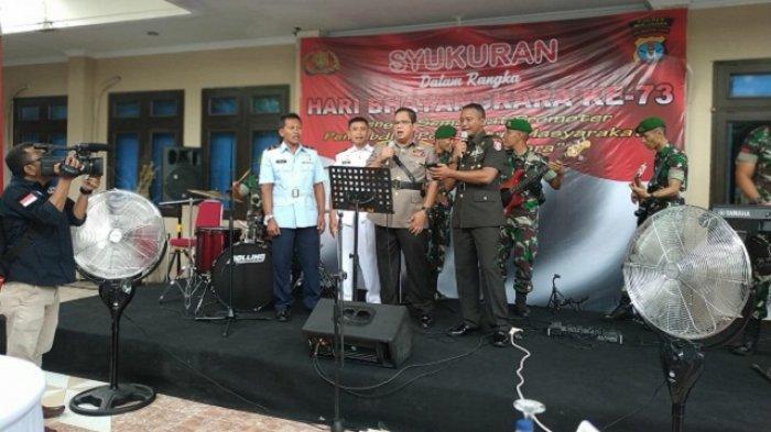 'Jangan Pernah Berubah', Momen Romantisme TNI/Polri dalam HUT Bhayangkara di Kaltara