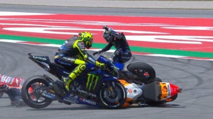 VIDEO Tiga Pebalap Terjatuh Gara-gara Manuver Jorge Lorenzo di Tikungan 10, Begini Tuntutan Vinales