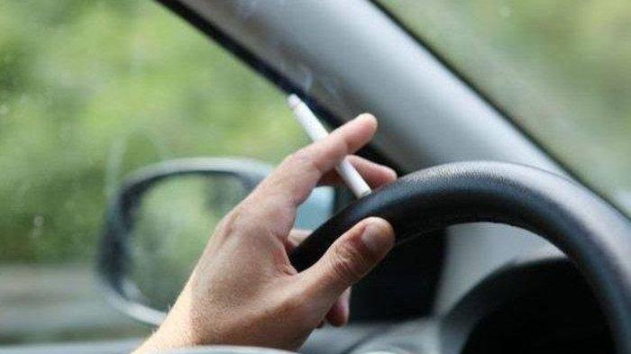 Interior Bau Rokok Bikin Harga Jual Mobil Turun? Yuk, Simak Penjelasannya Berikut Ini