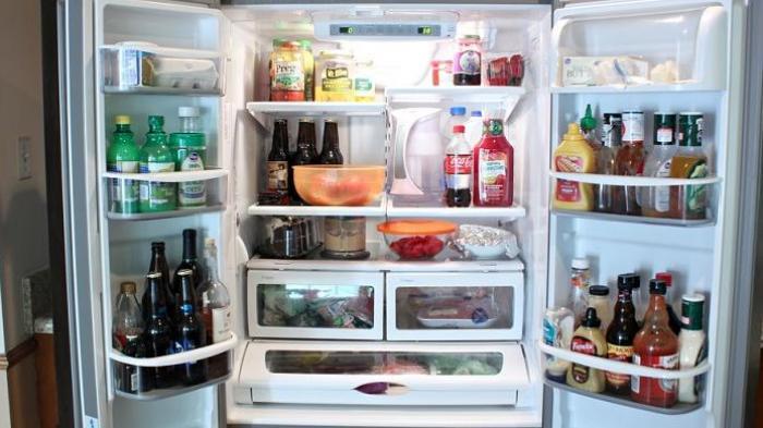 DAMPAKNYA SERIUS! Sebaiknya Buang 5 Makanan & Minuman Ini dari Kulkas, Bisa Buat Gangguan Pencernaan