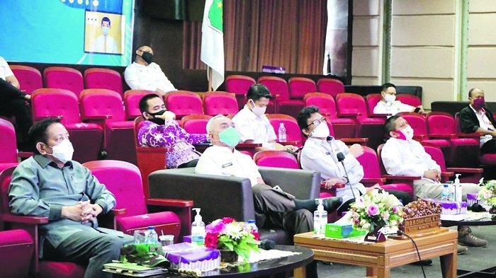 PILKADA SERENTAK- Gubernur Kaltim H Isran Noor mengikuti rakor khusus peningkatan displin dan penegakan hukum protokol kesehatan dalam pelaksanaan Pilkada Serentak 2020, Rabu (9/9/2020).